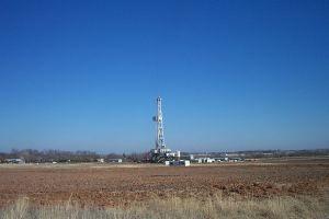 105313_oil_drilling_rig.jpg