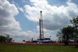 161275_oil_drilling_rig_3.jpg