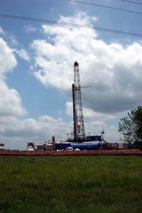 43011_oil_drilling_rig_4.jpg