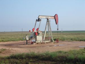 670680_oil_pumpjack.jpg
