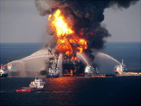 alg_oil_rig_explosion.jpg